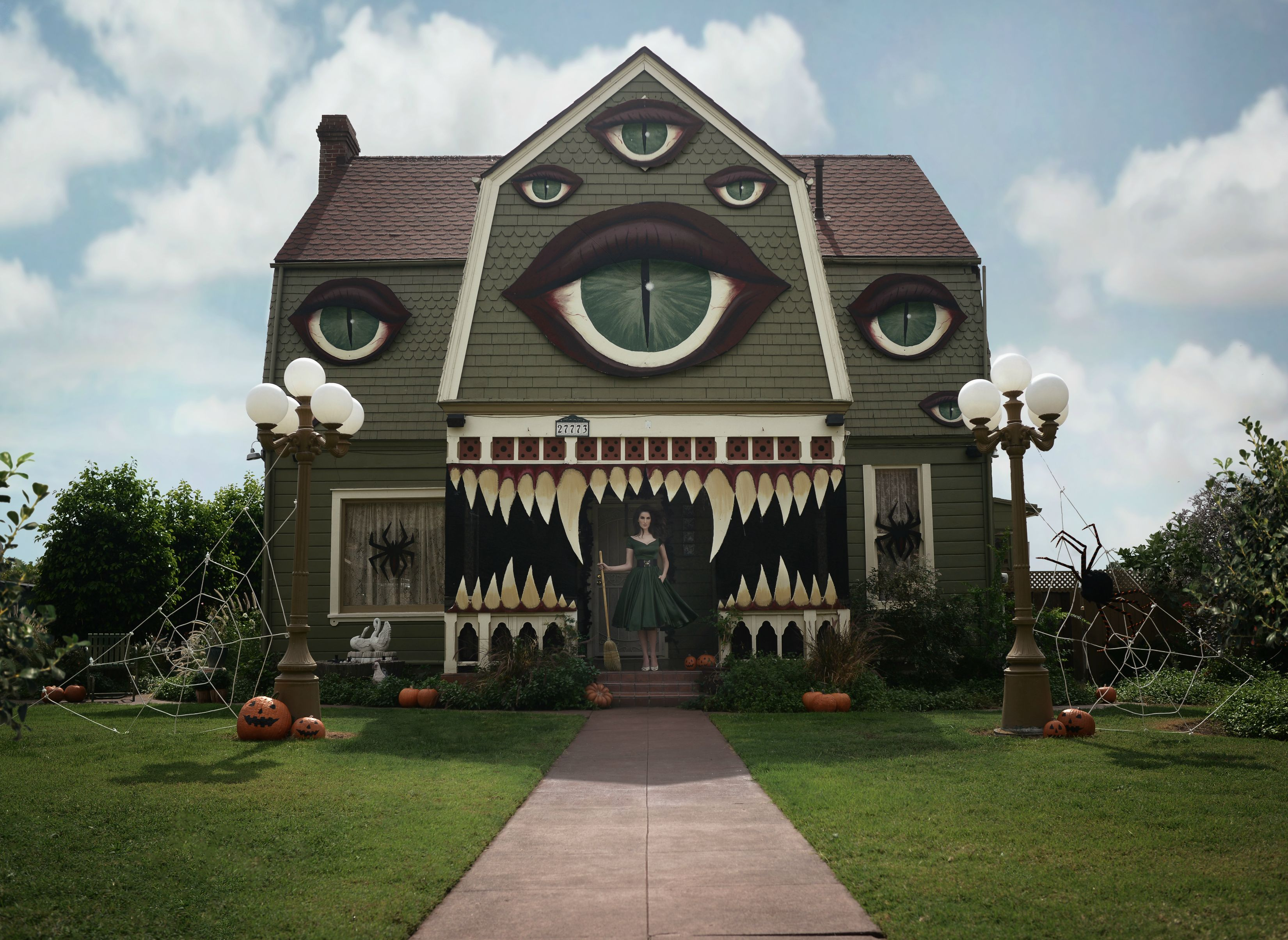 13 Houses That Take Halloween To The Next Level Welcome Mat