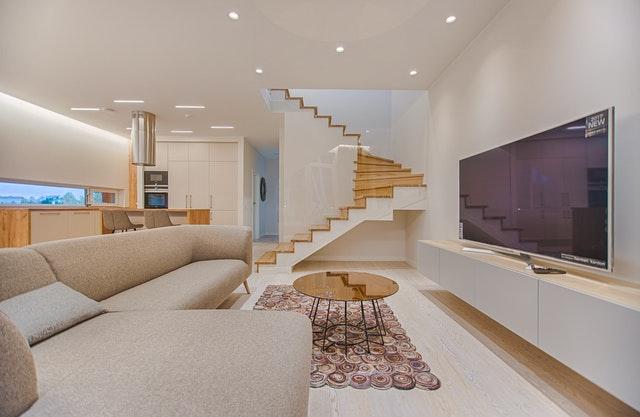 Small open-plan apartment.